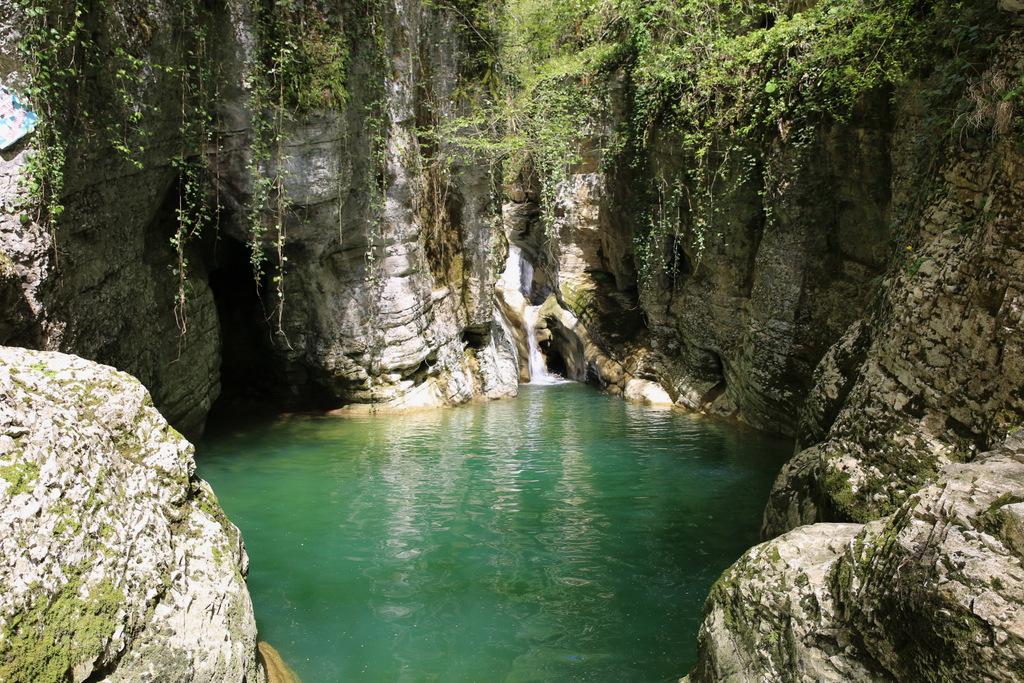 Ущелье реки Агура -  Орлиные скалы - Агурские водопады